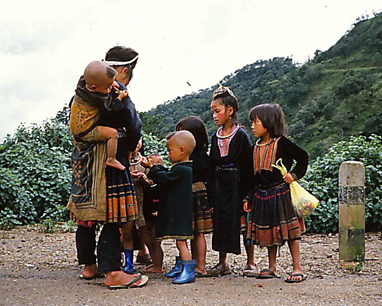 【タイ】モン族の麻文化と華麗な民族衣装