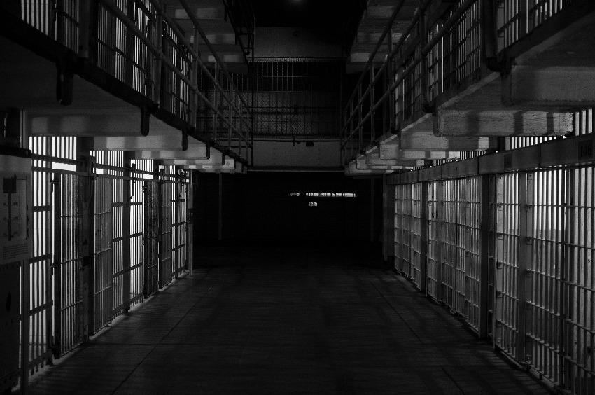 【刑務所で活用!?】英国の刑務所で、受刑者を対象にした大麻試験投与か